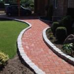 Садовая дорожка: искусственные материалы для покрытия