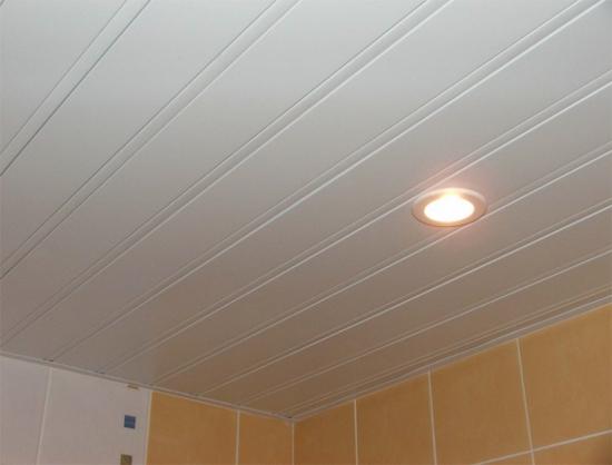 Наборные потолки для ванной