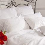 Как быстро вернуть постельному белью белизну и свежесть: несколько способов