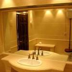 Зеркало в ванную комнату: как правильно подобрать